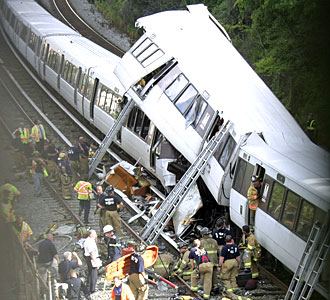 red_line_metro crash photo